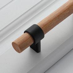 Kitchen Drawer Pulls, Kitchen Cabinet Knobs, Kitchen Doors, Kitchen Handles, Door Handles Vintage, Knobs And Handles, Wooden Handles, Wood Door Handle, Cheap Cabinets