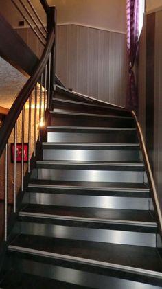 id e d co cage escalier entr e deco cage escalier cage escalier et escaliers. Black Bedroom Furniture Sets. Home Design Ideas