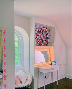 not my pic Cute Bedroom Ideas, Cute Room Decor, Room Ideas Bedroom, Teen Room Decor, Bedroom Inspo, Bedroom Ideas For Women, Bedroom Decor, Beach Wall Decor, Teen Bedroom