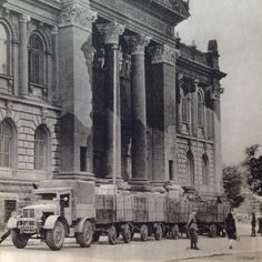 German Army robs Zachęta National Art Gallery in Warsaw before the Uprising. From Dni Powstania National Gallery, National Art, Warsaw Uprising, Invasion Of Poland, German Army, Planet Earth, World War Two, Ww2, Catholic