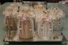 Lindo conjunto sabonete liquido perolado 300ml, difusor de aromas 250ml acompanha 4 varetas difusoras, embalados em sacos de organza (flores de madeira não estão inclusas)...  Ideal para presente, lembrancinhas, kit madrinha ou simplesmente decorar e perfumar seu banheiro...  Preço promocional!  ...