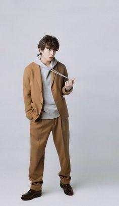 Listen to every Arashi track @ Iomoio Jun Matsumoto, Shun Oguri, Character Sheet, Japanese Men, Types Of Guys, Actors & Actresses, Drama, Wallpaper, Twitter