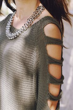 Super adorable LF Sweater with arm cutouts! This is the perfect green color for … Super adorable LF Sweater with arm cutouts! This is the perfect green color for fall too! Moda Crochet, Knit Crochet, Pullover Shirt, Do It Yourself Fashion, White Wedges, Kind Mode, Crochet Clothes, Pulls, Looking For Women