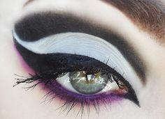 Hyperlust http://www.makeupbee.com/look.php?look_id=82837