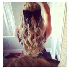 love the curls & a cute bow