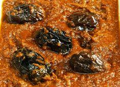 In this video we will see how to make Ennai Kathirikai kulambu in Tamil. Ennai Kathirikai / Eggplant gravy / Brinjal Curry is an excellent side dish for biry. Vegetarian Curry, Vegetarian Cooking, Easy Cooking, Veg Recipes, Curry Recipes, Cooking Recipes, Curry Gravy Recipe, Baingan Masala