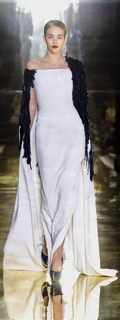 ✜ Georges Chakra - Couture - Fall-winter 2012-2013  ✜  http://en.flip-zone.com/fashion/couture-1/fashion-houses/georges-chakra-2943