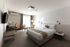 Deluxe King room, stylish and modern rooms, a taste of luxury!