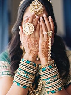 Nov 2019 - When Italian Views Meet Indian Traditions, the Blending of Cultures Create Destination Wedding Magic! Bridal Beauty, Wedding Beauty, Wedding Bride, Emerald Green Weddings, Vintage Wedding Theme, Wedding Ideas, Beauty And The Best, Little Black Books, Wedding Catering
