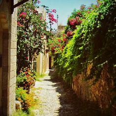 versteckte Gasse in Rhodos Stadt