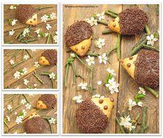 hedgehog cookies by Emily's Cupcakes Food Humor, Funny Food, Hedgehog Cookies, Crazy Cakes, Gingerbread Cookies, Sweet Recipes, Stuffed Mushrooms, Good Food, Sweets