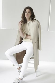 This Is Lazy-Girl Chic At Its Finest #refinery29  http://www.refinery29.com/ayr#slide7