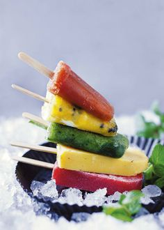 Basic fruit lollies | Basiese vrugtelollies South African Desserts, South African Recipes, Ethnic Recipes, Yummy Ice Cream, Ice Cream Recipes, Fruit Lollies, Fruit Sorbet, Tuna, Cooking Recipes