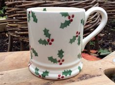 EMMA BRIDGEWATER . Christmas . Little Holly . 1/2 pint MUG . Boxed  | eBay