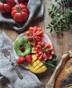 Cómo hacer una rosa de aguacate? Y un tomate en flor? Cómo cortar un mango? No te pierdas los #DeliciousMarthaTips en los videos que encontrarás en mi Canal de Youtube
