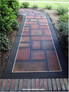 I sure like the dark colors on this walkway Concrete Pavers, Concrete Floors, Path Edging, Stepping Stone Paths, Hardscape Design, Modern Backyard, Backyard Retreat, Garden Path, Garden Spaces