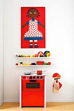 Children's room - BRIO stove - Via Scandinavian Deko Play Corner, Kids Corner, Pretend Kitchen, Kid Kitchen, Kitchen Decor, Ikea Duktig, Kid Spaces, Kids Decor, E Design
