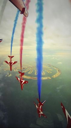 The Red Arrows. 2013.