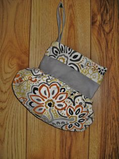 Retro Floral Wristlet Purse by TheLittleBarntique on Etsy, $24.95
