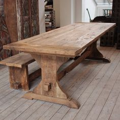 Diy Rustic Table Farmhouse - A farmhouse table is called its own neutral and earthy colors. Normally, rustic farmhouse table has a major size with complete wooden substance at which a lot of them have rectangular shapes. Reclaimed Wood Dining Table, Farmhouse Kitchen Tables, Wooden Dining Tables, Wooden Kitchen, Rustic Table, Dining Room Table, Trestle Table, Reclaimed Timber, Outdoor Dining