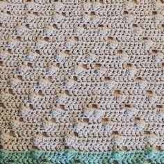Crochet Scandi Boho Rug Pattern. Lace/ bubble crochet and diamond shape. #siljasidesign . . .  #crochetrug #scandiboho #ecofriendly #tubeyarn #handmade