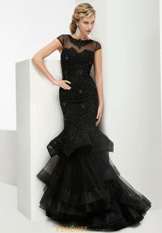 Black Mermaid Jasz Couture Dress 5971 pick to have photo shoot done with.