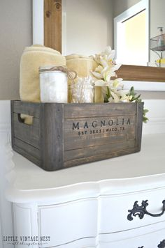 5 ways to style a wooden crate bathroom vanity farm house bathroom decor, farmhouse decor Casa Hipster, Diy Home, Wooden Crates, Vintage Wooden Boxes, Vintage Ideas, Vintage Decor, My New Room, Home Decor Accessories, Bathroom Accessories