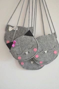 Your place to buy and sell all things handmade : Cat Bag Mini Grey childrens bag kids bag by SewManUniverseMaster Sewing Projects For Kids, Sewing For Kids, Sewing Crafts, Felt Diy, Felt Crafts, Childrens Purses, Kids Purse, Felt Purse, Cat Bag