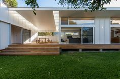 Gallery of Blueys Beach House 5 / Bourne Blue Architecture – 6 – Beach House Decor Shack House, Cement House, Small Beach Houses, Suburban House, Beach Shack, Nautical Home, Beach House Decor, Key West, Decoration