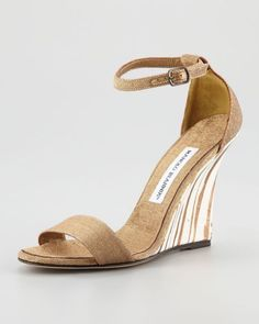 Sapatos de noiva Manolo Blahnik 2017. Modelos exclusivos! Image: 14 #manoloblahnikheels2017 #manoloblahnik2017