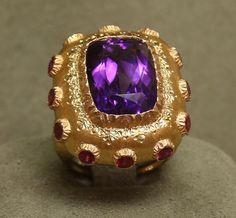 ForbesLife @ForbesLife ·In Pictures: Buccellati's fine jewelry workshop in Milan. http://onforb.es/1qRtMoe