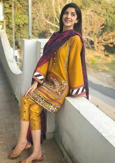 Pakistani Casual Wear, Pakistani Fashion Party Wear, Pakistani Dress Design, Pakistani Outfits, Indian Outfits, Latest Pakistani Suits, Pakistani Bridal, Fancy Dress Design, Stylish Dress Designs