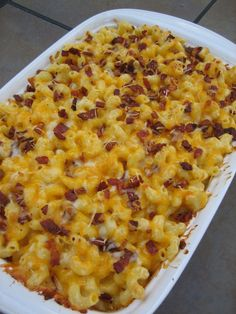 This Baked Macaroni and Cheese With Bacon feeds a crowd!!  The perfect comfort food to bring along to an autumn potluck or weekend party! {Brittany's Pantry}