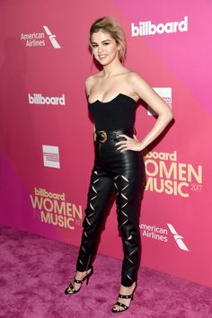 November 30: Selena attending Billboard's 2017 Women In Music event in Hollywood, California