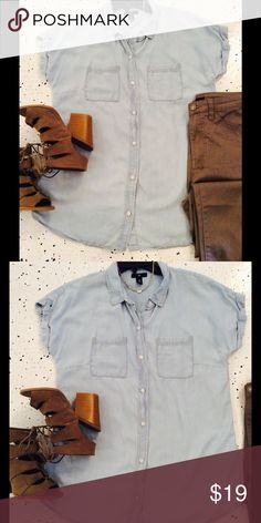 Your new favorite top! Denim look short sleeved top in 100% tencel. The perfect casual top! No flaws. GAP Tops Blouses