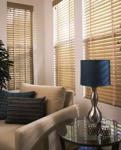 oak blinds living room | Wooden venetian blinds in light wood colouring