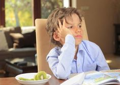 Tips to help your child's focus and attention span. Very good tips! Besides their age being the amount of minutes they can focus! Bullying Facts, Peer Pressure, Attention Span, Raising Kids, Kids Learning, Learning Activities, Childcare, Parenting Hacks, Parents