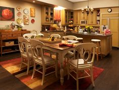 Dunphy kitchen and table-Modern Family