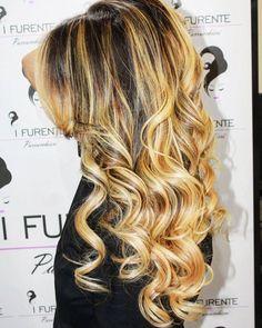 @ifurenteparrucchieri2profilo  Una #DonnaFurente sa anche essere attraente con i suoi capelli #Mossi  #IFurente #TagsForLikes #social #Parrucchieri #Parrucchiere #HairStylist #like #HairFashion #HairDesigner #success #HairDressing #HairCut #Hair #love #FollowMe #Capelli #fashionable #photooftheday #Enjoy #Moda #swag #look #Models #cute #FollowMiss #Mua #style