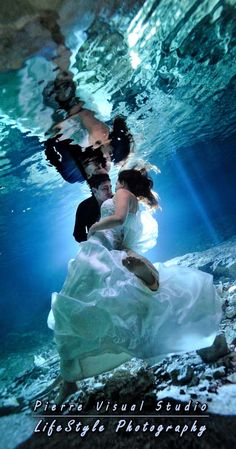 Underwater Trash The Dress in a cenote - Mexico