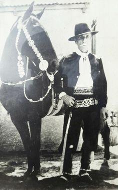 De lujo Rio Grande, Darwin, Equestrian, Folk, Terra, Mexican, Fictional Characters, Folklore, Spanish