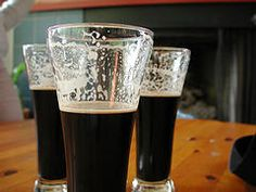 Homebrew Recipe: Sweet Stout for Christmas Brewing Recipes, Homebrew Recipes, Beer Recipes, Alcohol Recipes, Home Brewery, Home Brewing Beer, Brew Your Own Beer, Beer Label Design, Home Brewing Equipment