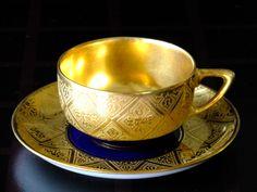 Šálek na čaj * zlacený porcelán.