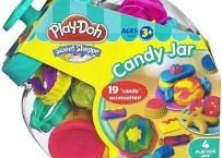 Create all the pretend sweet treats you can imagine with this Play-Doh Candy Jar Set! With the tools in this set and the 4 colors of Play-Doh modeling compound, Sweet Jars, Lollipop Sticks, Candy Making, Candy Jars, Toys For Girls, Kids Toys, Kids Meals, Creations, Gummi Candy