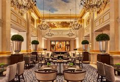 King Cole Bar & Salon at the St. Regis New York Hotel