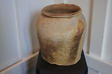 A  Vietnamese Jar  1 st  - 4 th Century ( Han Viet )