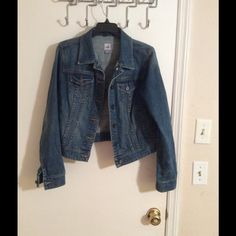 Jean jacket Perfect condition jean jacket great for the winter Jackets & Coats Jean Jackets