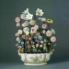 Manufacture royale de Vincennes, Bouquet de fleurs dans une jardiniere…