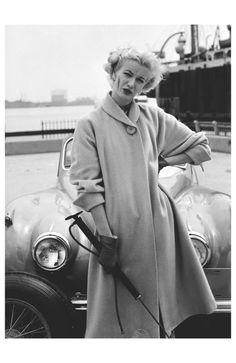 'Country Tweeds', Sunny Harnett,East River, Manhattan, 1954 Photo William Helburn