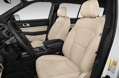 Le modèle Ford Explorer offre beaucoup d'espace pour les personnes et le chargement.